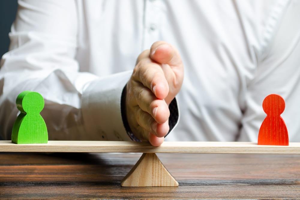 Pensione reversibilità tra ex coniuge e coniuge superstite